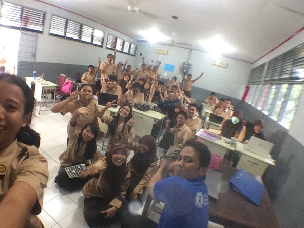 selfie di kelas